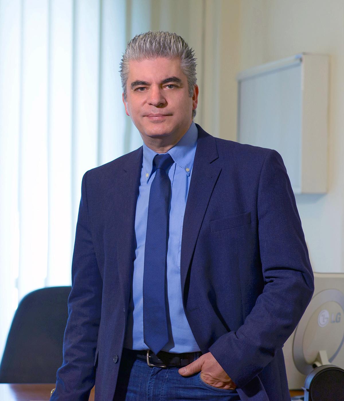Γεώργιος Πετσίνης